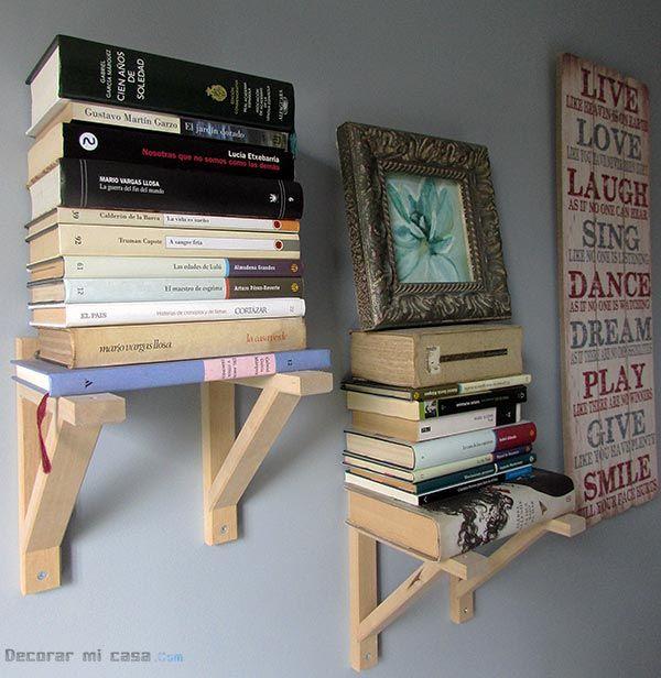 Una estantería para libros con escuadras