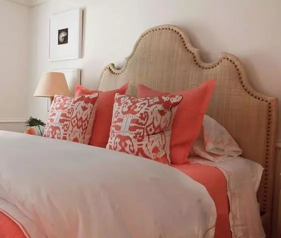 Dormitorio en color living coral