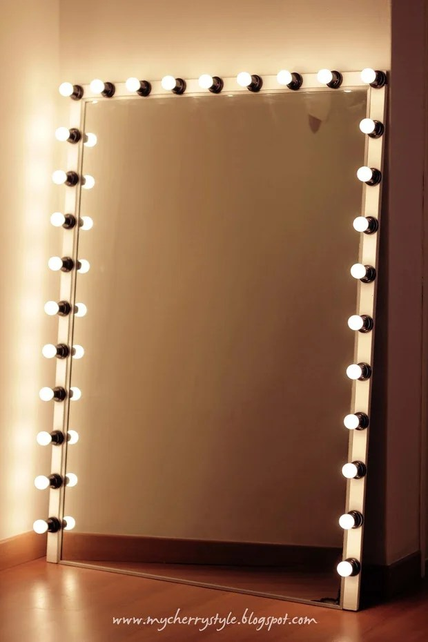 Glam DIY Light Up Vanity Mirror Projects  Decorating