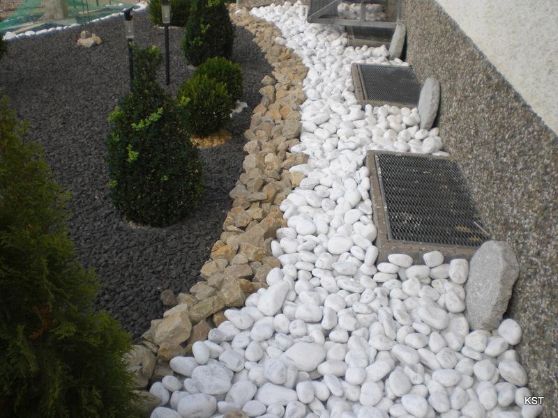 decoration jardin galets blancs