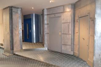 murs industriels imitation plaques en acier
