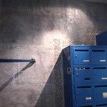 pochoir sur mur décoration industrielle métal