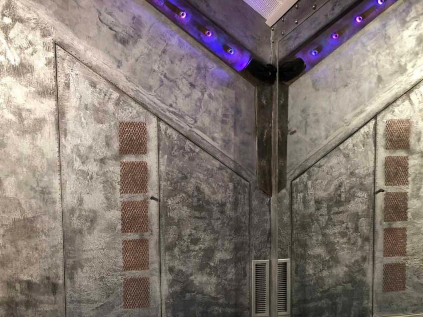bars et pubs style industriel avec murs métal