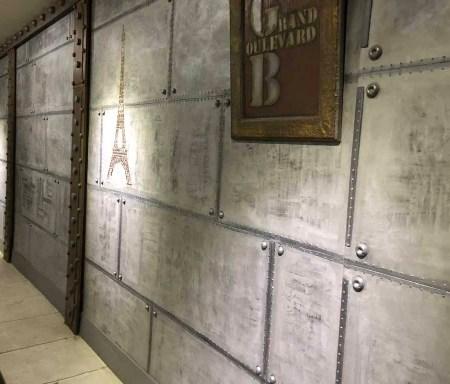 murs industriels avec des murs metal 3D en trompe l'oeil