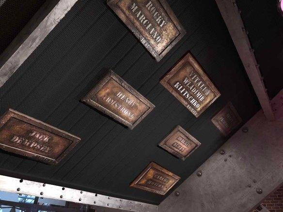 Salle de boxe avec plaques boxeurs célèbres