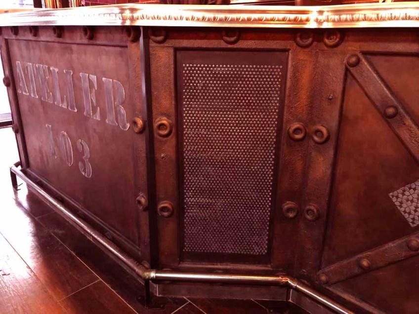 bar restaurant enseigne décorative publicitaire metal oxydé