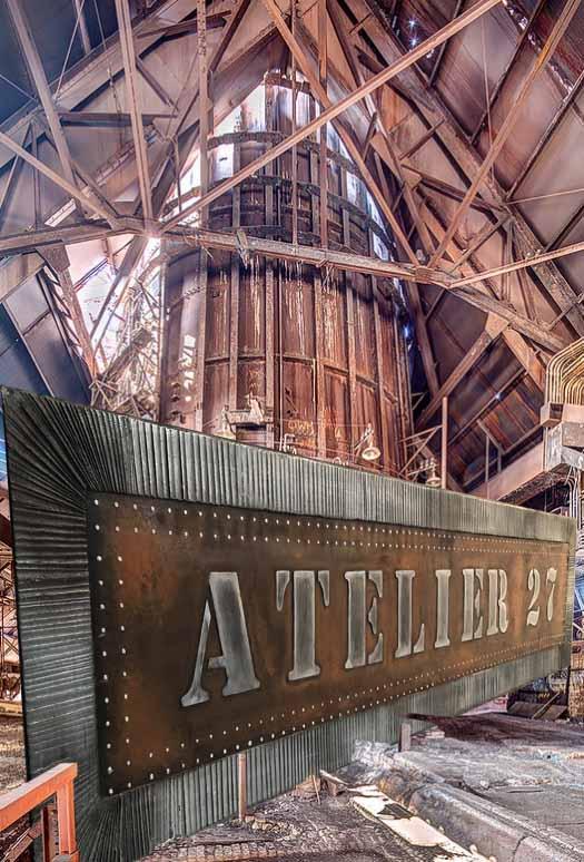enseigne publicitaire ancienne restaurant style industriel