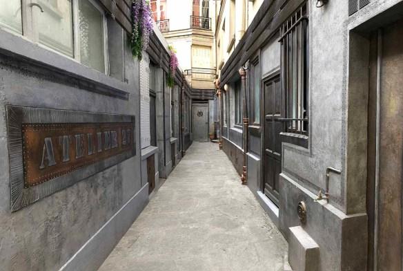 cour immeuble style industriel et Eiffel