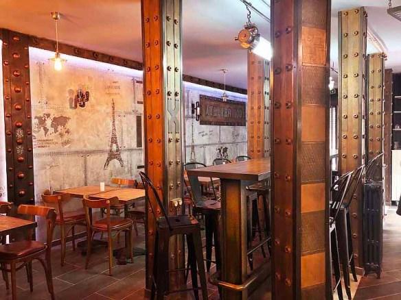 Décoration d'intérieur Paris  restaurant bar style Eiffel