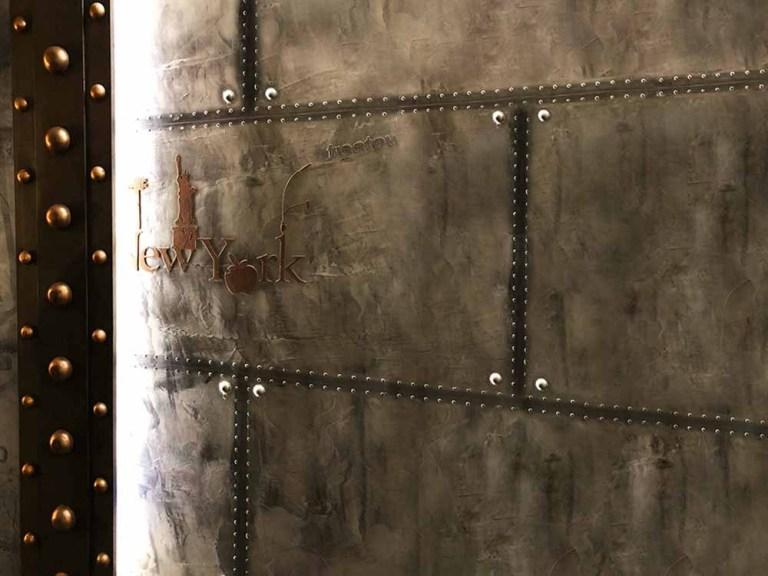 café bar style industriel murs métal