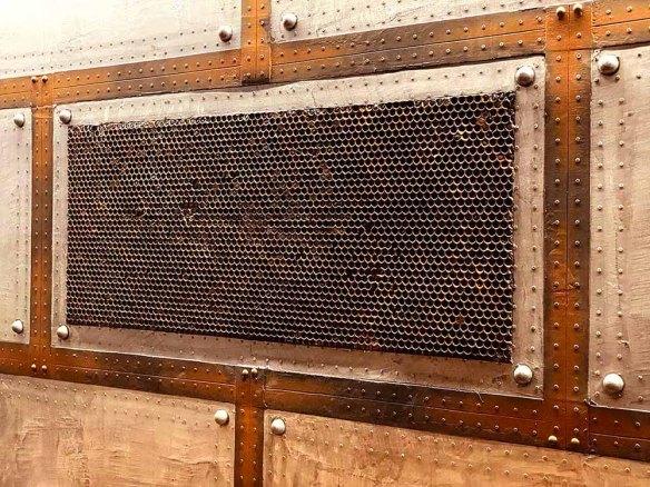 murs métal oxydés style industriel