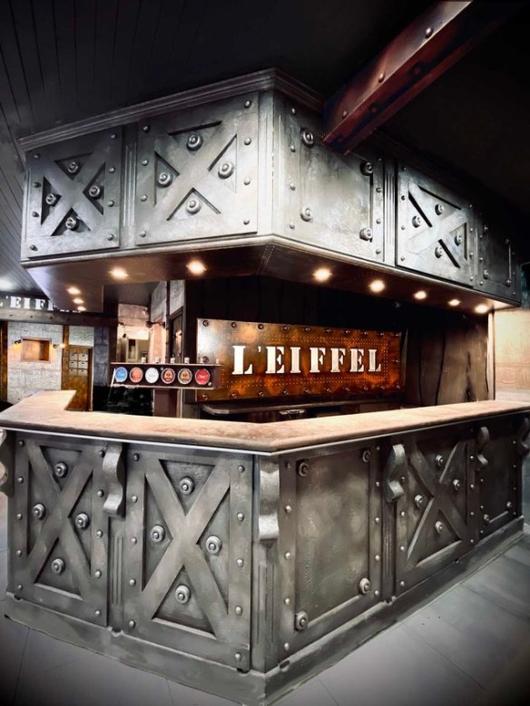 Décoration d'intérieur murs métal rénovation restaurant, brasserie, comptoir bar, BA13, hall immeuble, décorateur style industriel et IPN Eiffel - Wall