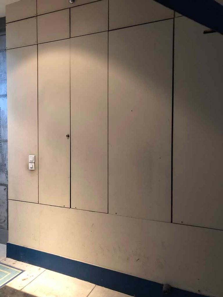 hall immeuble customisé style industriel fausse rouille et oxydation
