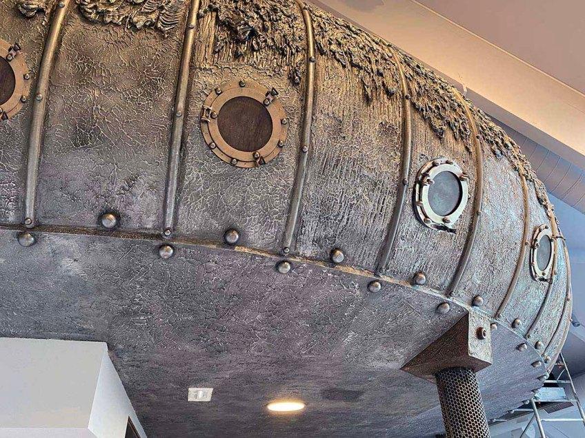 le Nautilus steampunk métallique et boulonné