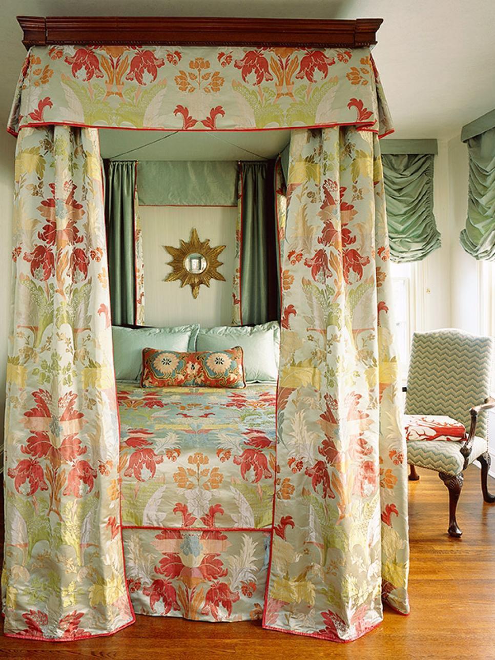 25 Victorian Bedroom Design Ideas - Decoration Love