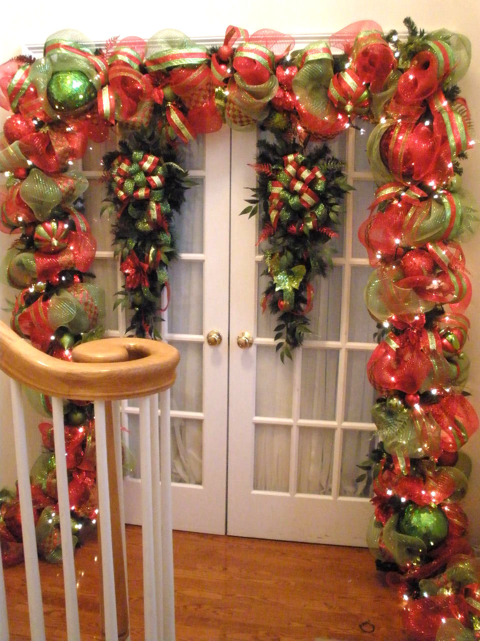 35 Stunning Garland Christmas Decorations Ideas