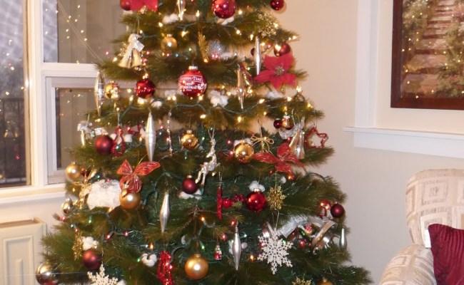 30 Amazing Traditional Christmas Decorations Ideas