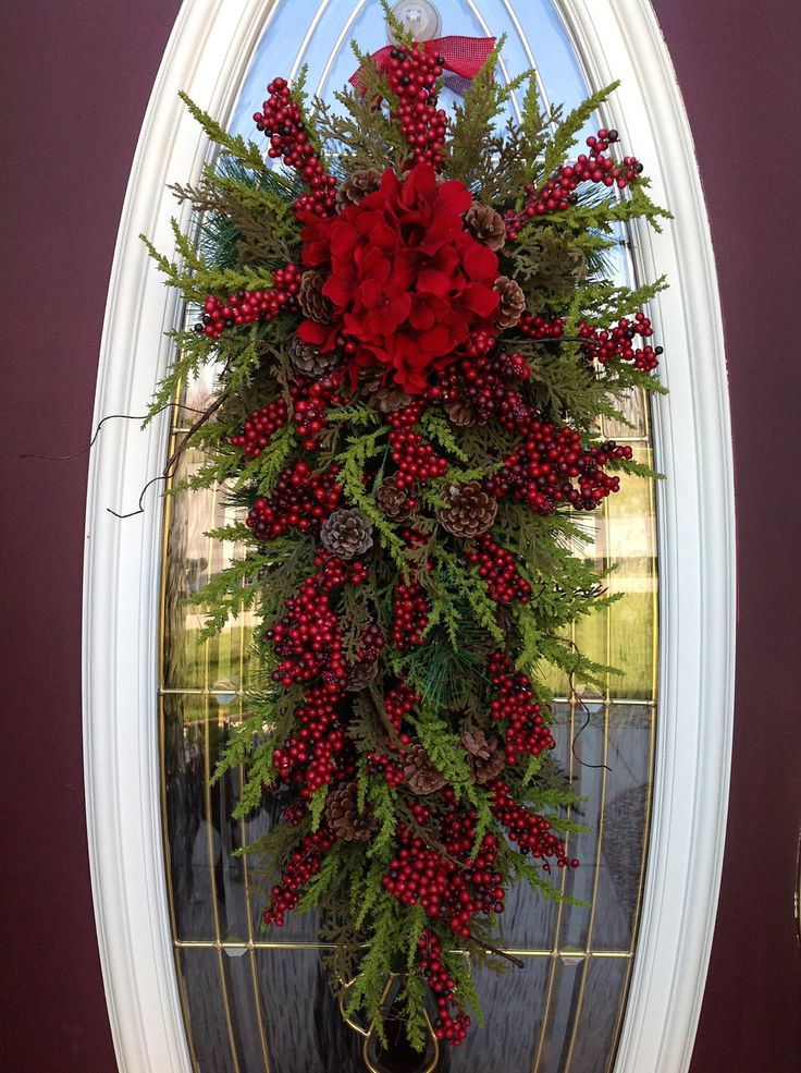 30 Attractive Wreaths Christmas Decorations Ideas