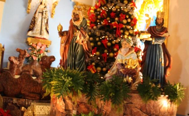40 Inspirational Church Christmas Decorations Ideas