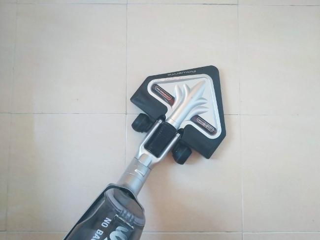 aspirar para limpiar el suelo si no tiene manchas - limpieza de primavera