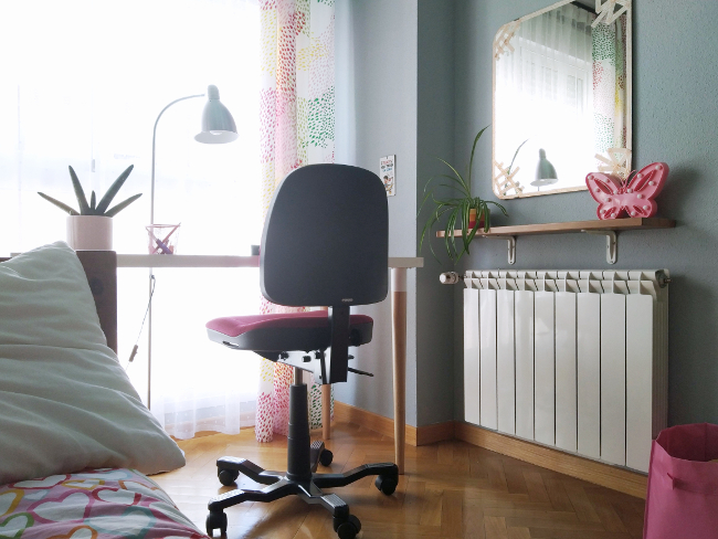 radiador en el dormitorio