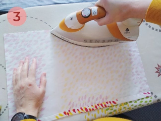 paso 3 para unir el cojín con cinta termoadhesiva