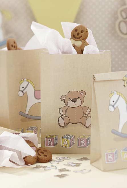 Escolha os personagens e brinquedos mais populares para o chá de bebê