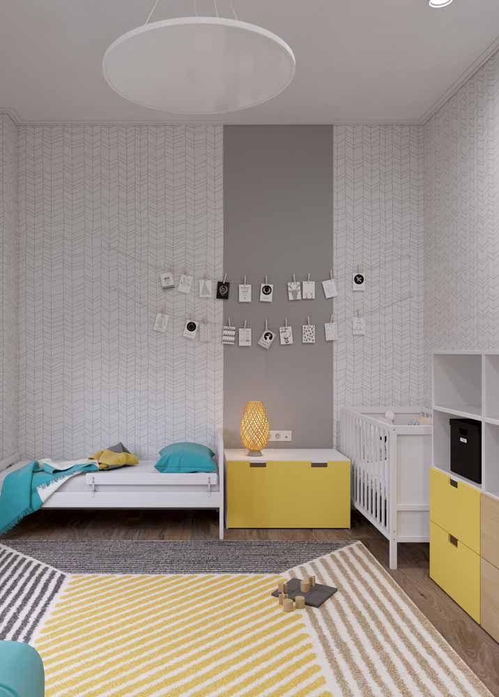 Azul e amarelo: uma combinação de cores primárias e complementares ideal para o quartinho das crianças