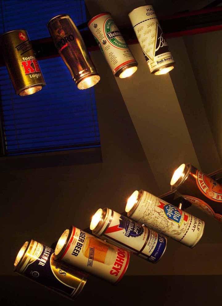 Luminárias direcionáveis feitas com latinha: só que aqui foram utilizadas as versões no tamanho de 710 ml