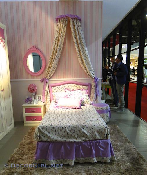 Bad bedroom