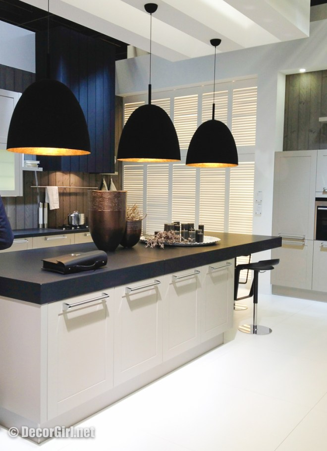 simple-forms-in-a-kitchen-00101