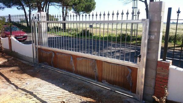 herrajes,puertas de hierro, purtas exteriores, lacado de puertas, puertas interiores, pintura apistola