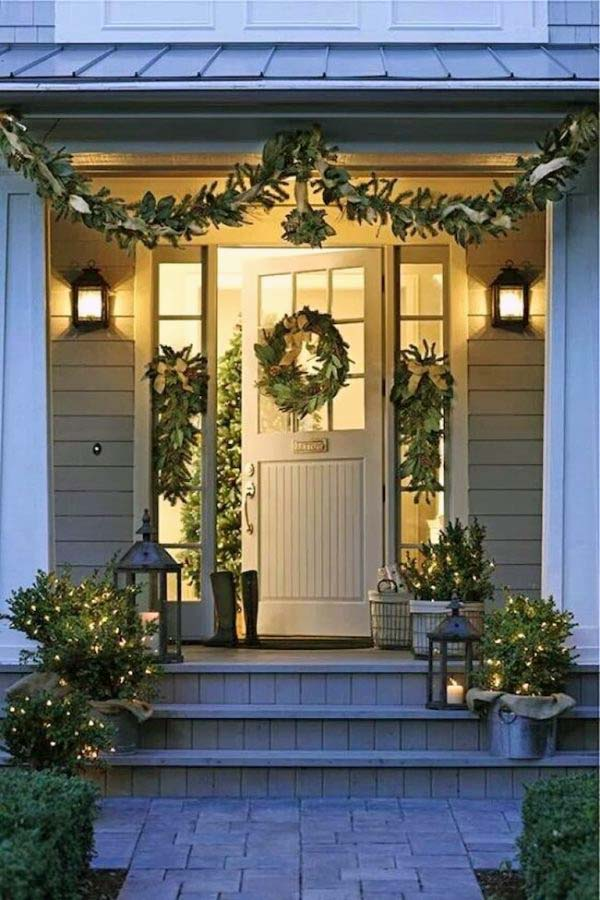 55 Best Front Porch Christmas Decorations For 2020 Decor Home Ideas