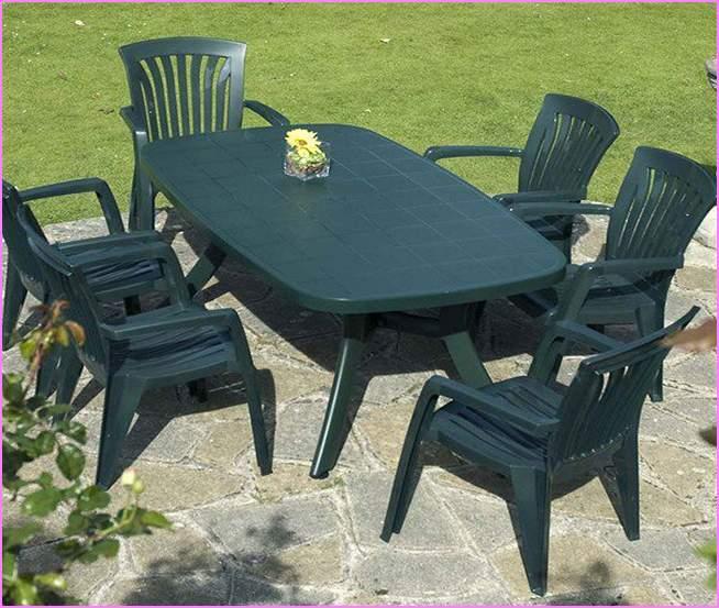 benefits of plastic patio furniture