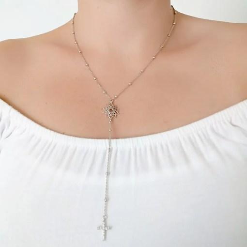 Srebrni lančić s križem