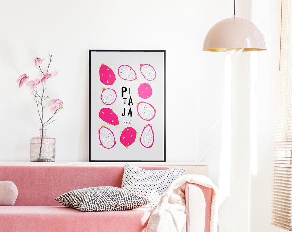 mieszkanie na lato z owocowym plakatem