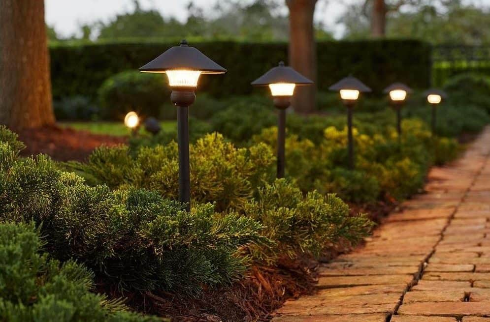 32 awesome landscape lighting ideas