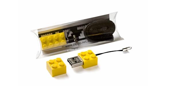 La clé USB Lego par Ora-Ito