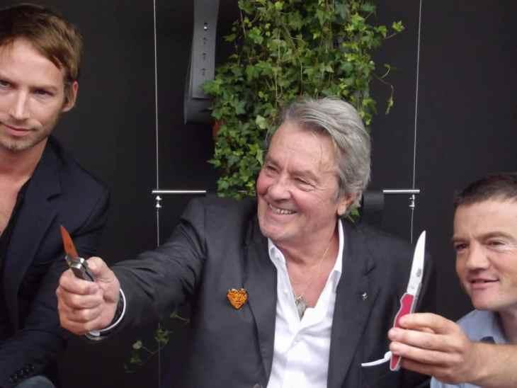Rencontre avec Alain Delon et Ora Ito pour Laguiole