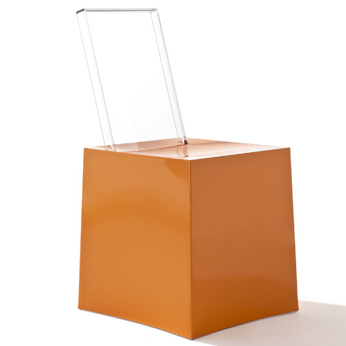 La chaise Miss Less by Philippe Starck 3