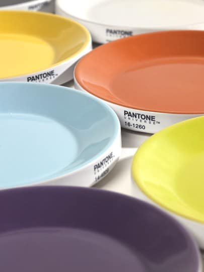 Assiette design : Les assiettes Pantone