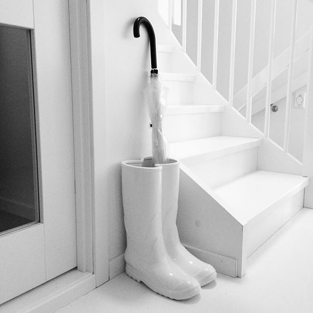 vase rainboots by seletti deco tendency. Black Bedroom Furniture Sets. Home Design Ideas