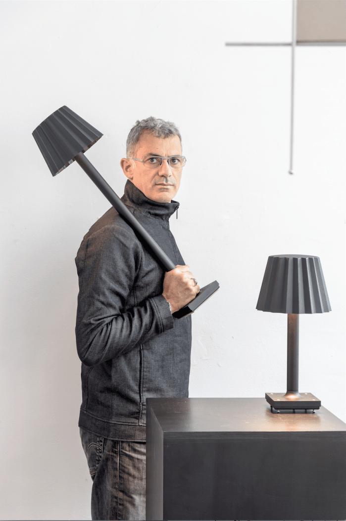 Lampes designs :Lampe Butler deArik Levy pourDelta Light