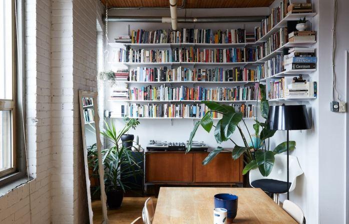 décoration simple pour ce refuge de bibliophile