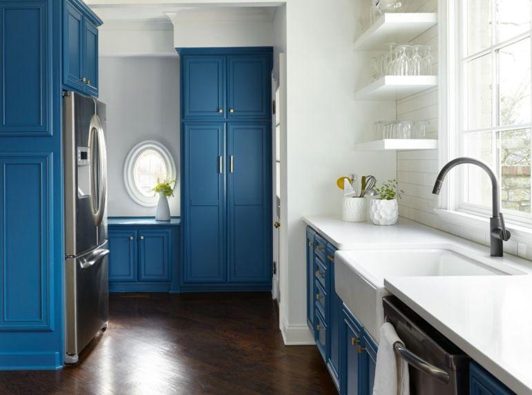 Personnaliser vos meubles avec du bleu paon