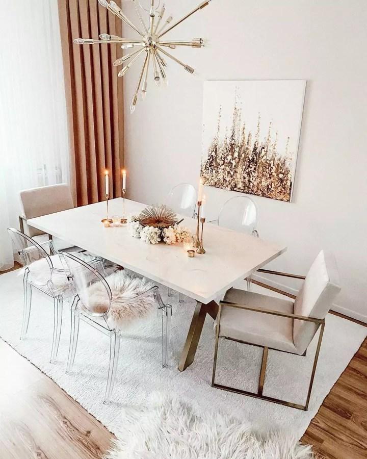 Rembourrez les chaises de la salle à manger