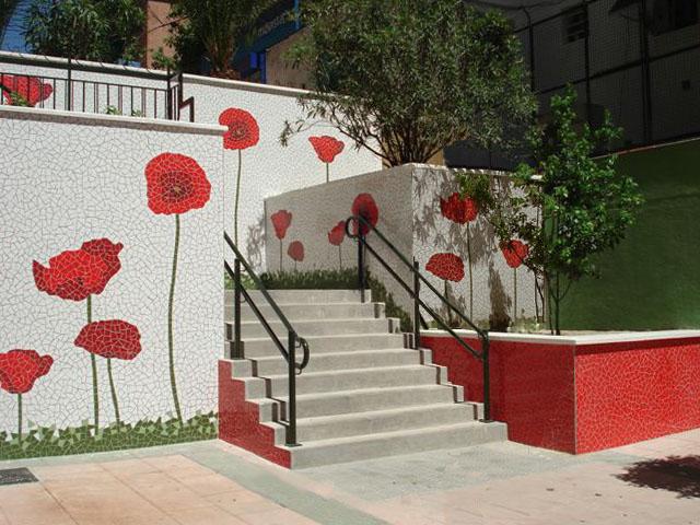 Murales de amapolas en Alcobendas