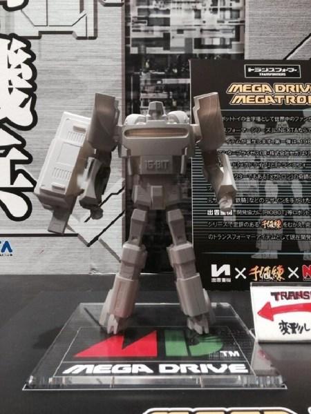 Figura Megatron Mega Drive Takara Tomy 01