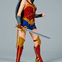 Wonder Woman de frente