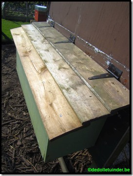 Nieuw dakje op de legbak